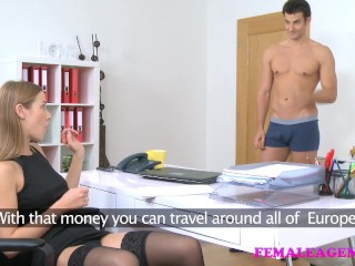 American student cums on sexy blonde agents face