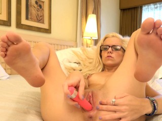 Blonde masturbation with tiny Halle Von.