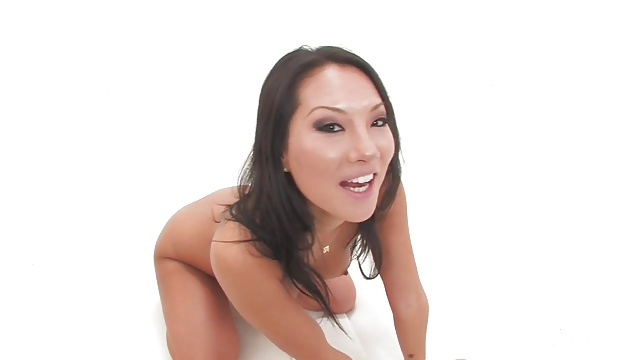 Asa Akira gets a dick and a fist in her ass